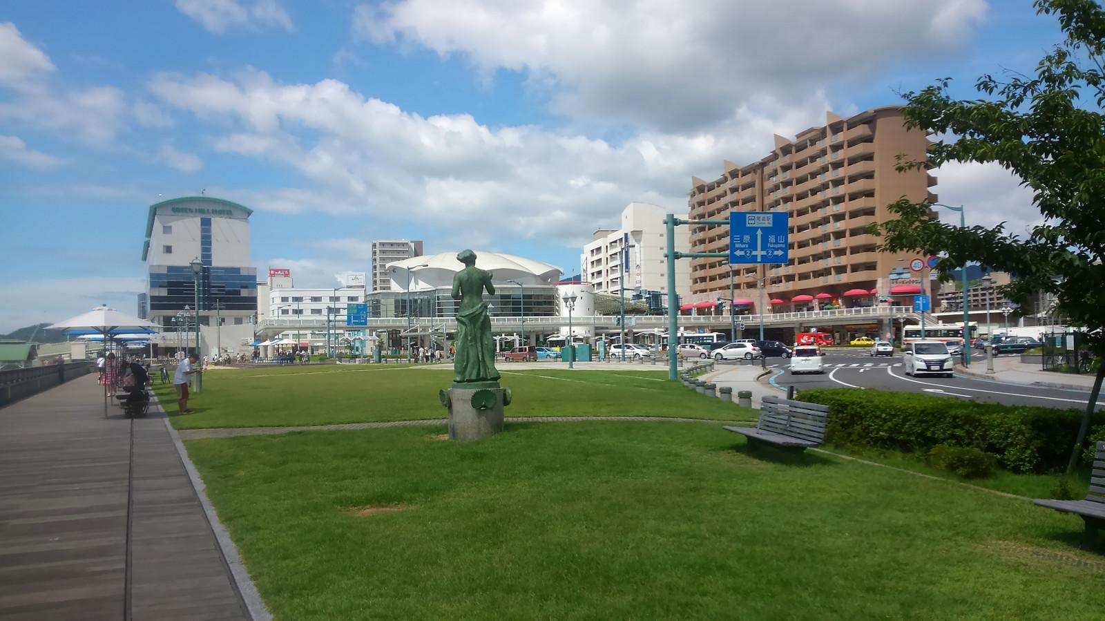 Onomichi_ekimae_summer